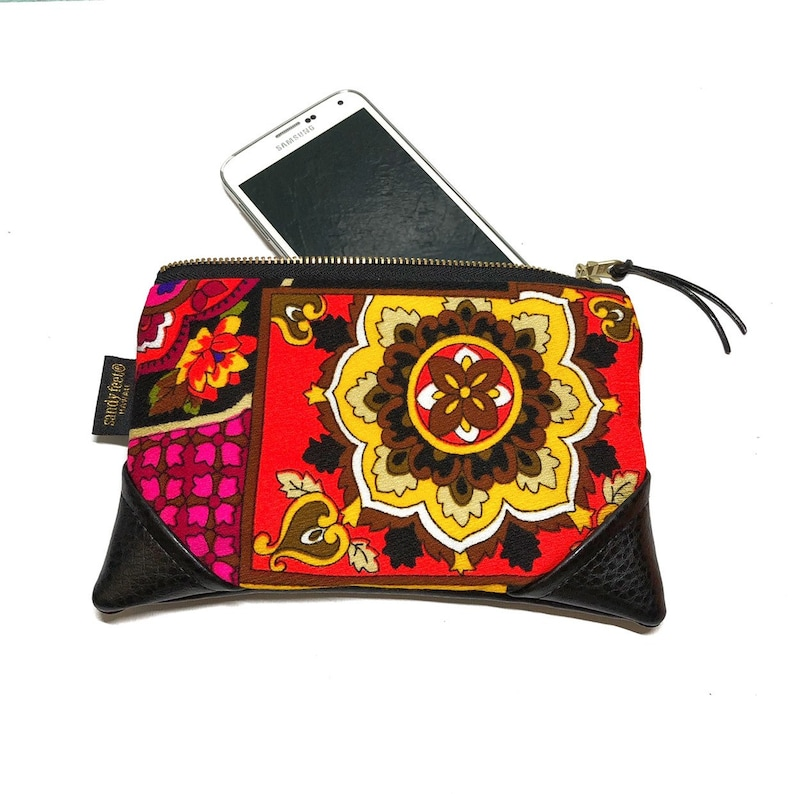 Mini Vintage Floral Zipper Pouch / Clutch with inside lining image 0