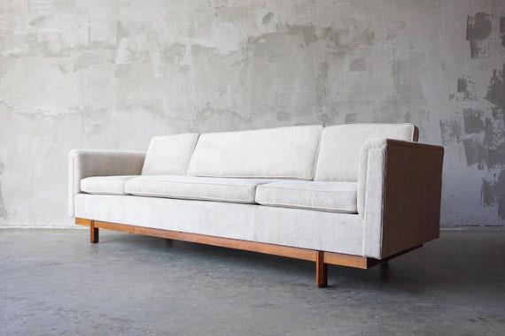 Frank Lloyd Wright 'Taliesen' Sofa