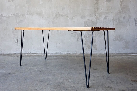Pipsan Saarinen-Swanson Dining Table