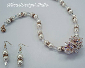 Swarovski Crystals Cluster and Pearls Necklace Set