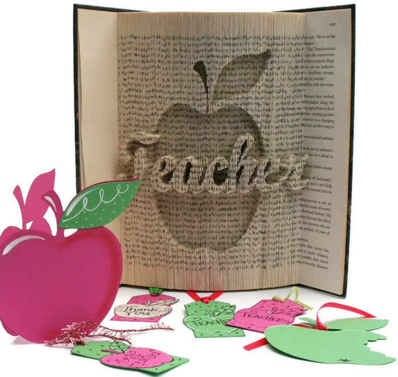 Book Folding Pattern Teacher Gift + Tutorial, Cut and Fold, Free printable  downloads to personalise your book art