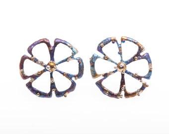 Titanium Circle Stud Earrings, Six-Petal Flower with Pollen. Hypoallergenic, Geometric  Stud, Unusual Jewelry Grade 1, Made in Finland