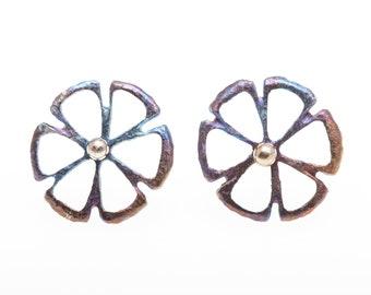 Titanium Stud Earrings, Six-Petal Flower with Pollen. Hypoallergenic, Geometric Stud, Circle Stud, Unusual Jewelry, Made in Finland
