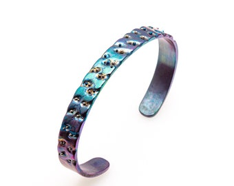 La Primavera. Titanium Bangle Cuff Bracelet  9 mm wide. Hand crafted in Finland by Tiqualia