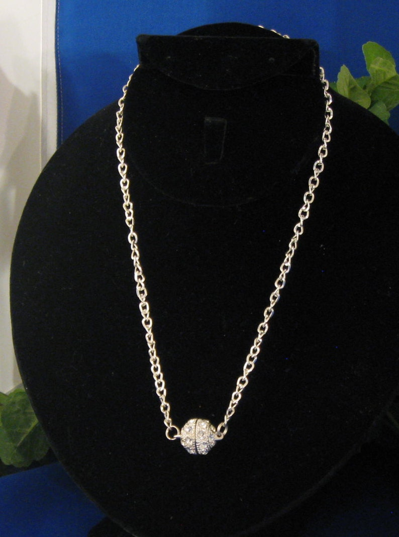 Light enough to wear while playing and pretty enough to wear when done! PN29 Pickleball Necklace