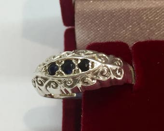 Vintage silver sapphire ring.