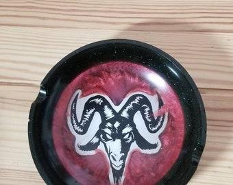 Ooak Baphomet Ash Tray︴Devil Ash Tray︴Demonic Ash Tray︴Resin Ash Tray︴OOAK Red Demon Ash Tray︴Gift for Satanist FREE SHIPPING