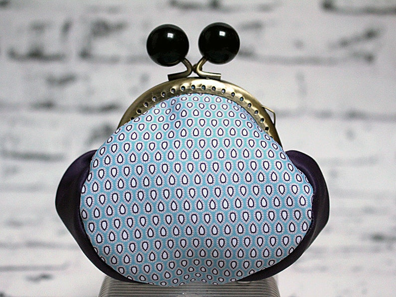 design Illustration Original coin purse with clasp 2 de coeur Made in France textile printing and sewing by Andi Lee
