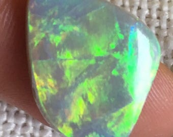 6.56ct Zig Zag Pattern, Precious  Australian Opal with Luminous Green and Gold Play of Color