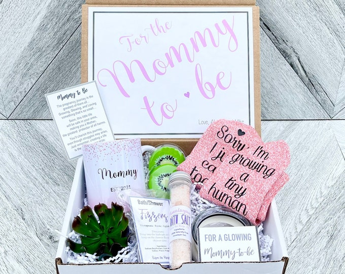Mommy to Be Gift Set - New Mommy Spa Set - Growing a Tiny Human -  Soon to be Mommy Gifts