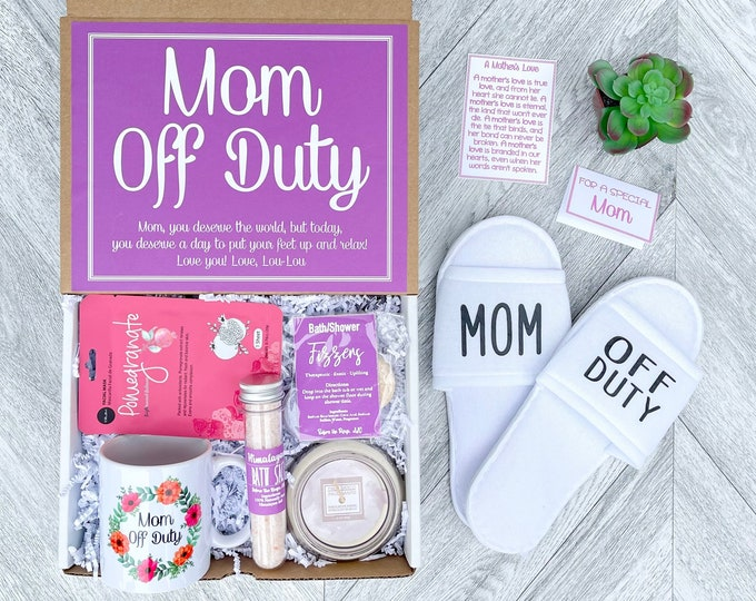 Mom Spa Gift Set - Mothers Day Gift - Mom off Duty Spa gift box - Moms Day to Relax - This Mom is Off Duty