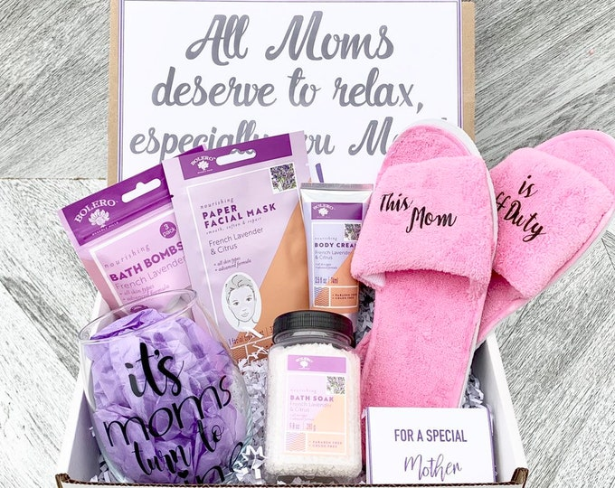 Mom Spa Gift Set - Pamper Yourself Spa gift box with French Lavender and Citrus - Moms Day to Relax - This Mom is Off Duty