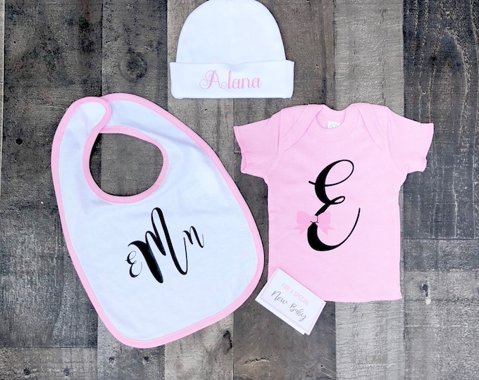 Newborn Baby Gift Set - Personalized Onesie, Bib, and Beanie - Newborn Box of Gifts