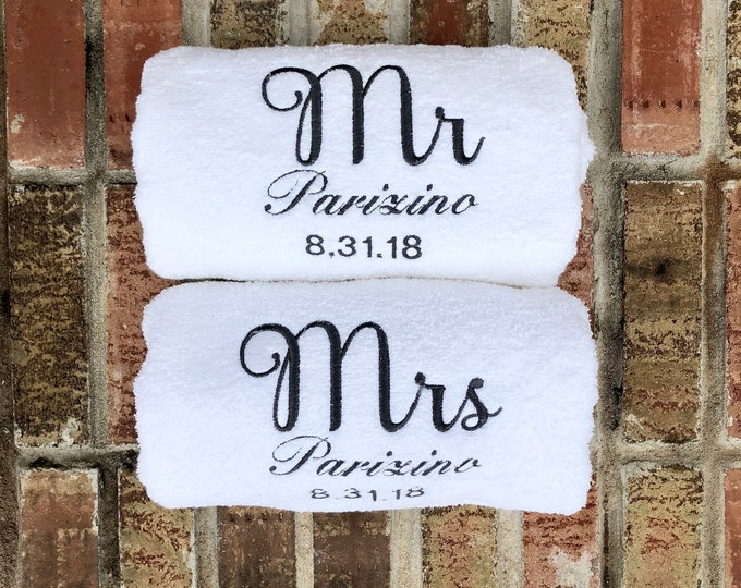 Mr and Mrs Towels - Embroidered Bath Towels with Name and Wedding Date - 2 Piece Set - Bridal Shower Gift - Honeymoon Towels