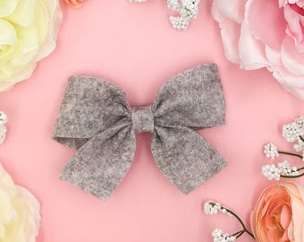 Single stone wool Felt Bow