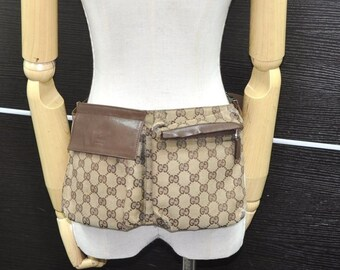 4f599bdd186e GUCCI Authentic Canvas Web Waist Bag Fanny Pack Purse Brown GG. Classic Vintage  Gucci Buckle Purse.