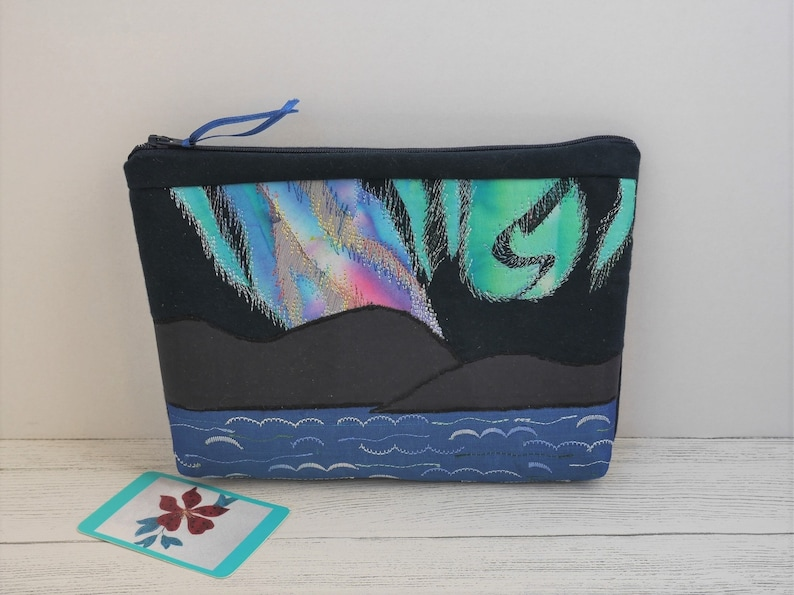 Exclusive zipped bag featuring Northern Lights textile art image 0