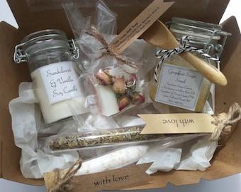 Bridesmaid Pamper Pack, Bridesmaid Pamper Gift Box, Bridesmaid Proposal Gift Box, Mothers Day Gift Pack, Bridesmaid Gift Box Set