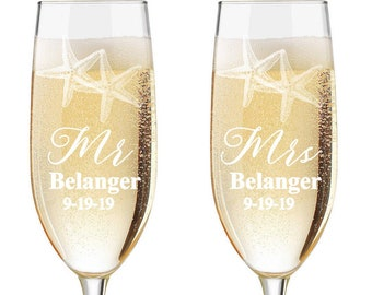 Personalized Wedding Flutes,   2 Toasting Flutes, Engraved Wedding Flute,  Starfish Toasting Flutes,  Bride & Groom Champagne Flutes