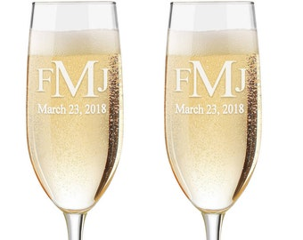 Monogram Flutes, Personalized Wedding Flutes,  Set of 2, Engraved Wedding Flute,  Bride and Groom Toasting Flutes,  Champagne Flutes