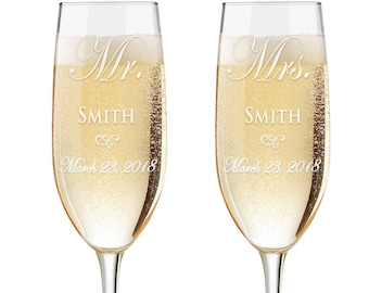 Personalized Wedding Flutes,  2 Toasting Flutes, Engraved Wedding Flute,  Mr and Mrs Toasting Flutes,  Toasting Champagne Flutes