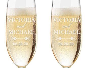 Set of 2 - Personalized Toasting Glasses | Wedding Toasting Flutes | Personalized Toasting Flutes | Personalized Wedding Glasses - Date