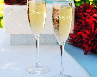 Personalized Wedding Flutes,   2 Toasting Flutes, Engraved Wedding Flute,  Wedding  Toasting Flutes,  Bride & Groom Champagne Flutes