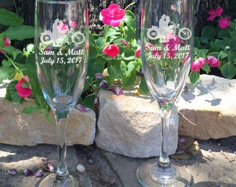 Personalized Wedding Flutes,   2 Toasting Flutes, Engraved Wedding Flute, Motorcycle Flutes, Wedding Gift, Bride & Groom Champagne Flutes