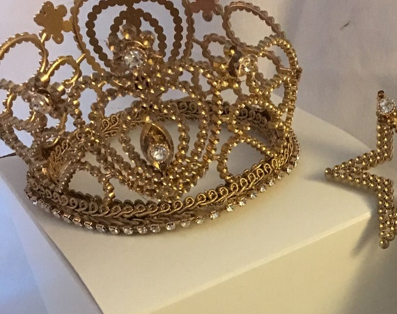 Crown centerpiece w/wand, crown centerpiece, gold crown centerpiece, princess wedding centerpiece, cinderella theme birthday, princess decor