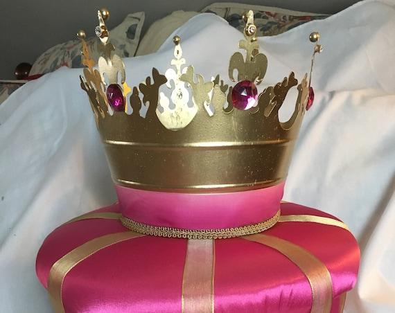 Crowns, crown centerpieces, princess crowns, princess party ideas, royal weddings, royal birthdays, prince birthday, cinderella crowns,