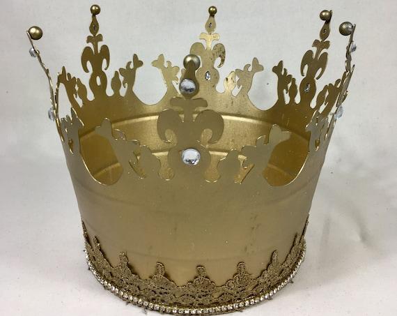 LARGE GOLD CROWN, Metal Crown, Royal Wedding, King's Birthday, Queen's Birthday, Royal Sweet 16, Crown Theme, Royal 50th, Royal 40th, crown