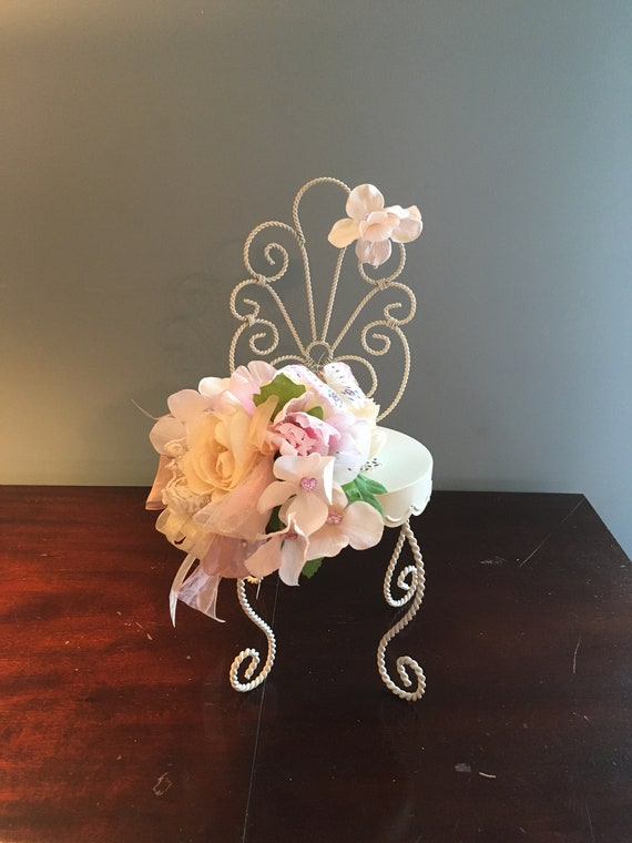 WIRE CHAIR CENTERPIECE, Garden Party Centerpiece, Tea Party Centerpiece, Butterfly Centerpiece, Floral Chair Home Decor, Blush Centerpiece