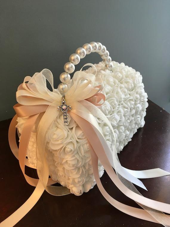 PURSE BOUQUET, Communion Bouquet, Bridesmaid bouquet, Unique Bouquet, White Bouquet with Pearl, Wedding Bouquet, Floral Bouquet