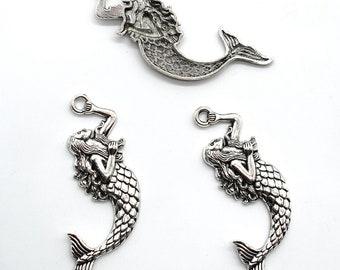 BULK 30 Mermaid pendants antique silver tone SC20