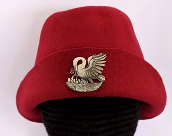 Pelican in Piety Gothic Bell - SCA Peerage Bucket - 15th c Felt Hat