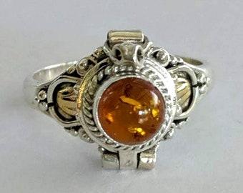 Genuine Honey Amber Poison Ring - Vintage Baltic - Renaissance Gothic