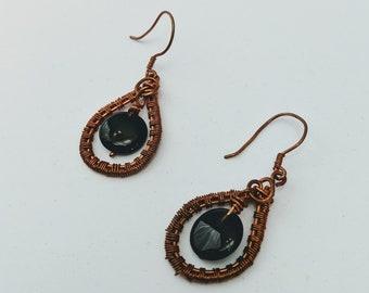 Onyx Coin Woven Wire Loop Earrings