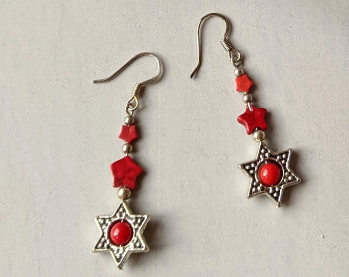 Patriotic Earrings - Red Stars A - Howlite Stars - Bamboo Coral Bead