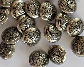 20 Silver Owl Face Plastic Buttons