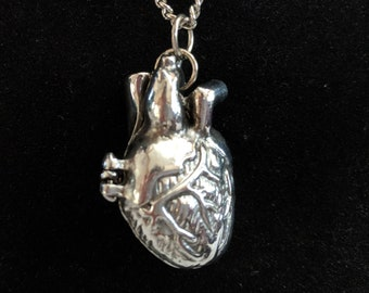 I Heart You Locket Pendant Necklace - Love Valentine Anatomical Heart