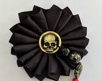 Skull Cockade - Memento Mori - Pirate Hat Ribbon Pin With Trade Beads