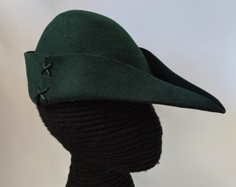 Green Felt Bycocket Robin Hood Hat & Feather Gothic Hunter Cap SCA
