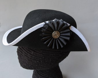 Rev War Continental Marines Hat - White Edged Round Hat w Cockade