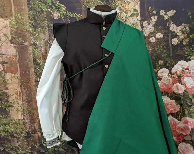 In stock! Green SCA Fencing Half Cape - Gipsy Peddler Rapier Armor