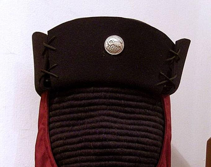 SCA Peerage Buttons Black Felt Hat - Pelican - Laurel - Reniassance