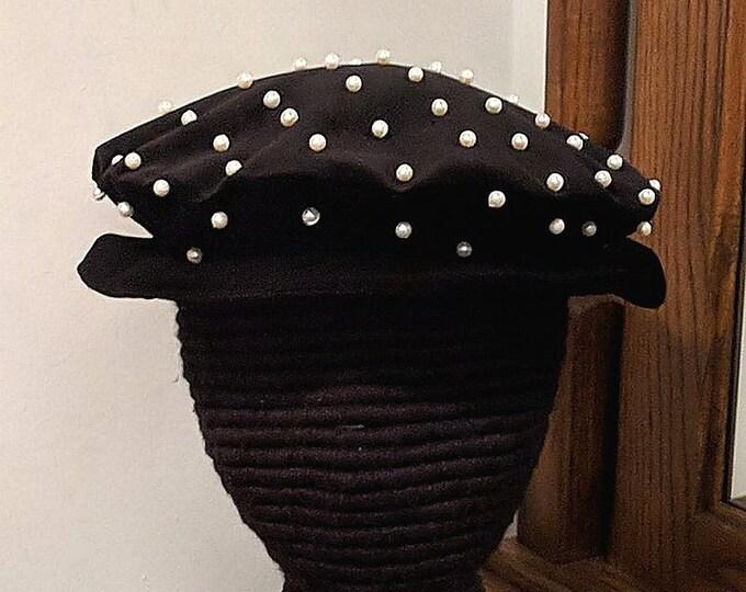 Tudor - Elizabethan Velveteen Flat Cap with Pearls - Renaissance