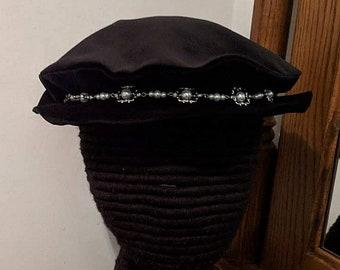 Pearl Hat Band Velveteen Flat Cap - Renaissance France - Tudor England