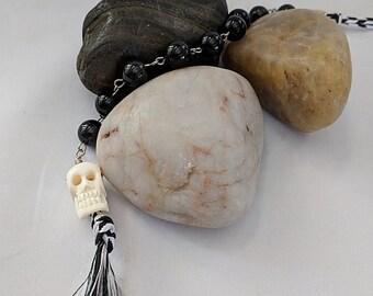 Bone Skull Onyx Tenner Chaplet - Paternoster - Memento Mori Rosary