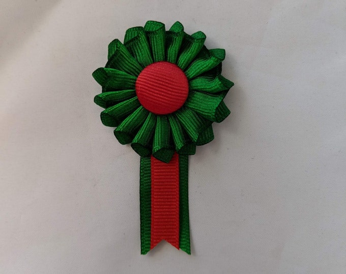 Small Pleated Italian Pride Cockade for Hats or Clothing
