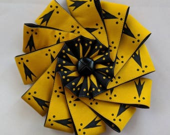 Discontinued! Large Erminois or Pean Cockade - Gold & Black Ribbon
